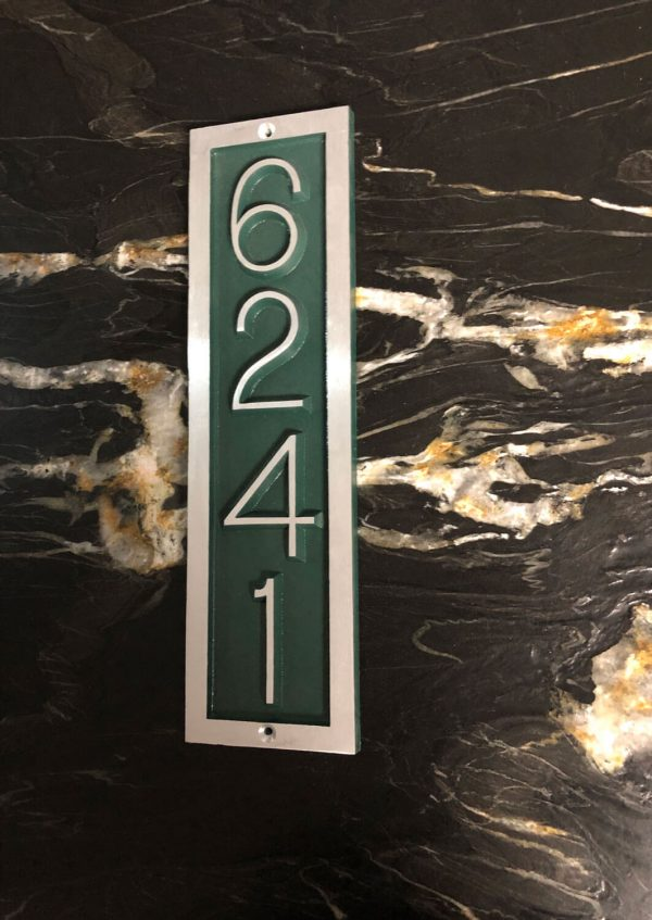 Vertical Donn , 1 Line Address Plaque