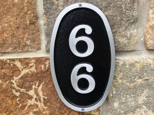 Vertical Small Bold Oval Address Plaque